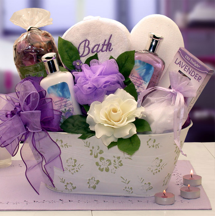 Creative-mothers-day-gift-baskets