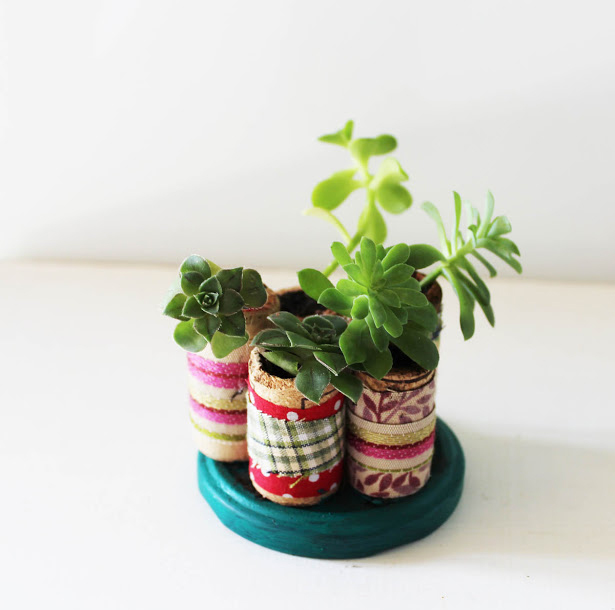 make-miniature-cork-planters-for-your-succulents