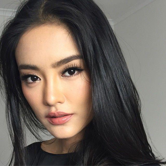 แต่งน้อย แต่สวยเยอะ สไตล์ Asian Look