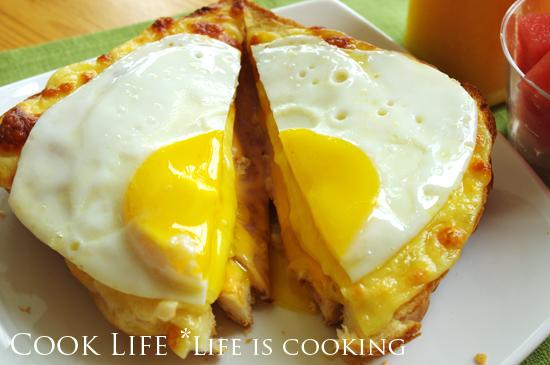 ขนมปังหน้าชีสไข่ดาว