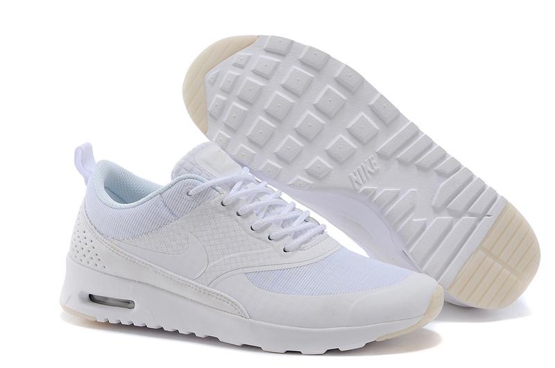 8.Nike Air Max Thea