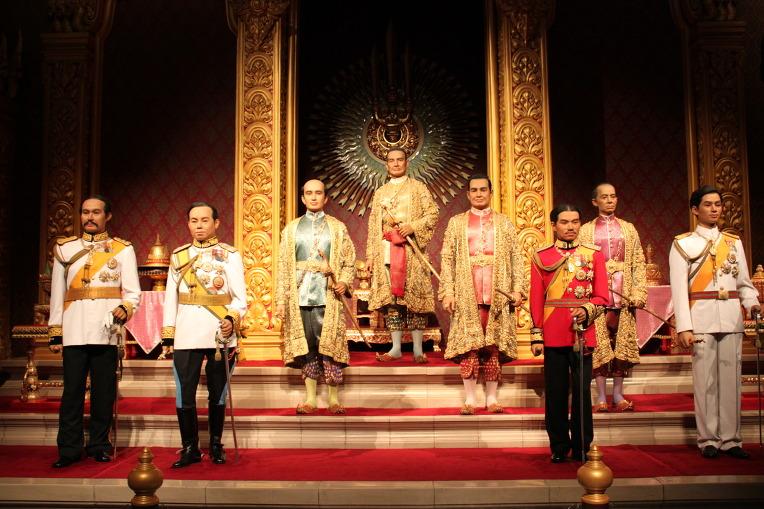 ความเป็นมา ประวัติ พระมหากษัตริย์ไทย พิธีบรมราชาภิเษก วันจักรี วันสำคัญ