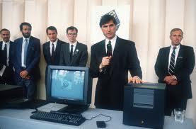 คอมพิวเตอร์แอปเปิ้ลเครื่องแรกของโลก (วิวัฒนาการแอปเปิ้ล)2