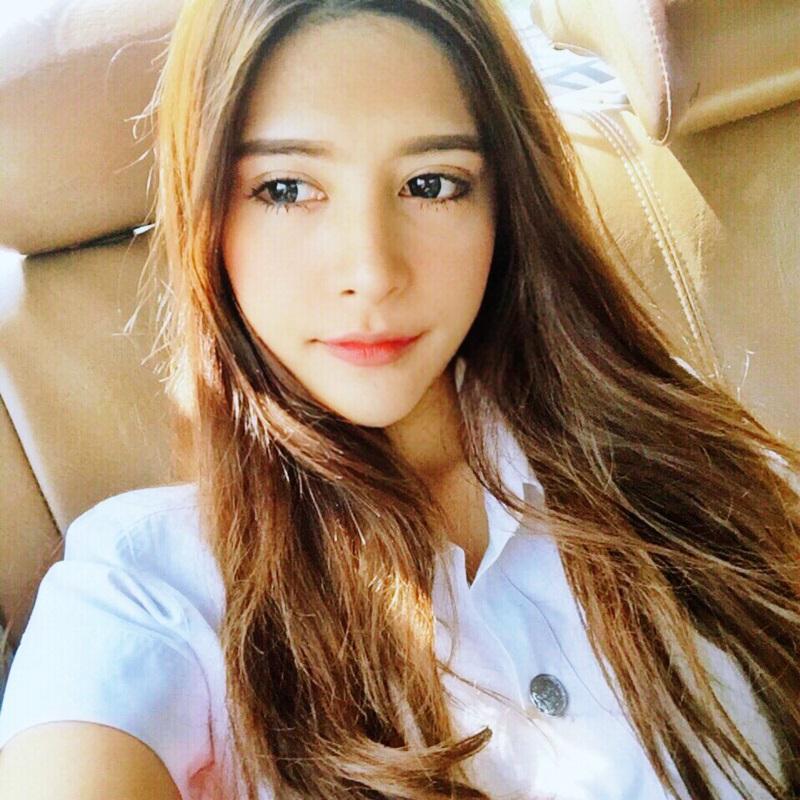 น้องกิ่ง สาวไทยหน้าสวย หุ่นดีนิสิตจากมหาวิทยาลัยเอแบค
