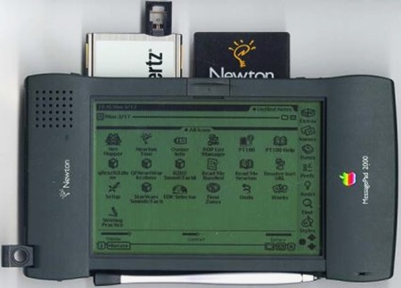 11. MessagePad and Newton OS -1993
