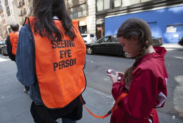Seeing Eye People social trend นิวยอกร์ก อาชีพคนนำทาง โซเชียล ไอเดีย