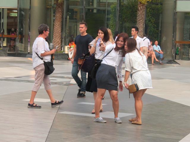 คนไทย ชาวต่างชาติ พฤติกรรม