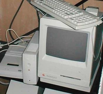 6.Macintosh SE 30 - 1989