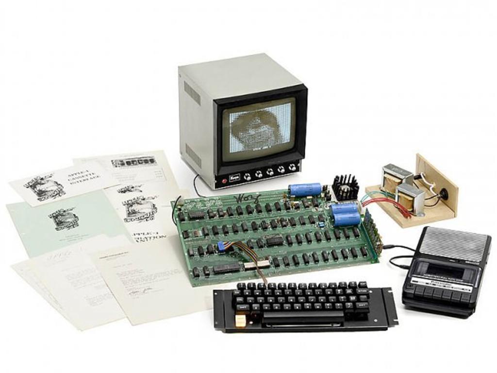 Apple 1 ในปี 1976 ได้ถูกประมูลไปในราคา 20 ล้าน 2 แสนบาท