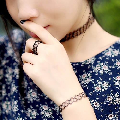 tattoo choker3