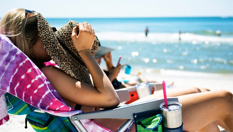 เรื่องที่อยากให้รู้ ก่อนไปเที่ยวทะเล | วิธีรับมือผิวไหม้