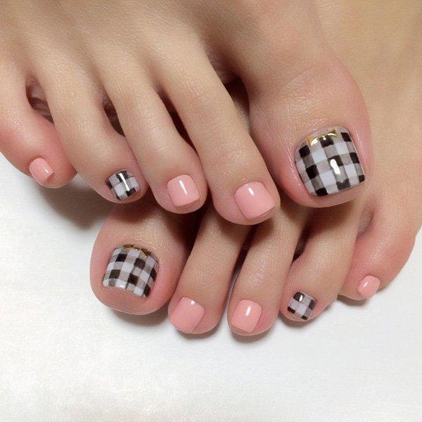 toe-nail-color01