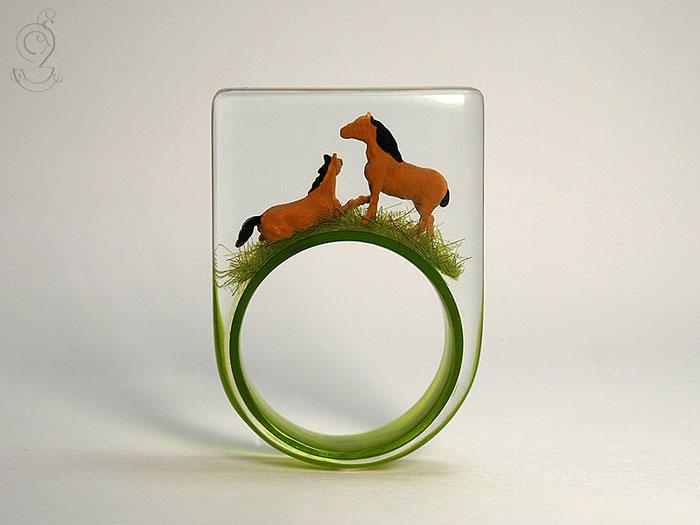 ฟรุ้งฟริ้งน่ารักมาก! โลกใบเล็กๆ ในแหวน โดยศิลปินเยอรมัน (2)