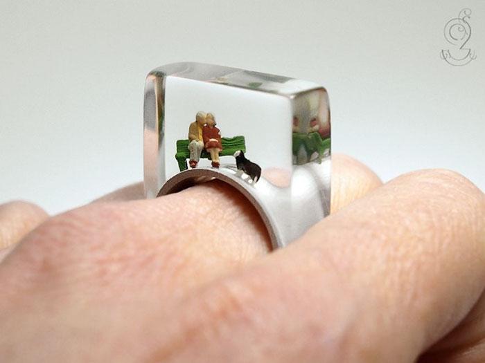 ฟรุ้งฟริ้งน่ารักมาก! โลกใบเล็กๆ ในแหวน โดยศิลปินเยอรมัน (7)