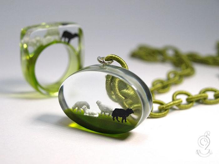 ฟรุ้งฟริ้งน่ารักมาก! โลกใบเล็กๆ ในแหวน โดยศิลปินเยอรมัน (8)