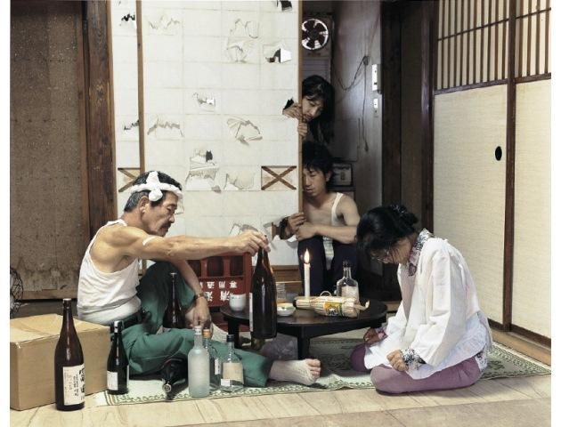 ไอเดียสุดสร้างสรรค์! รูปถ่ายครอบครัวแนวใหม่ โดยช่างภาพชาวญี่ปุ่น (1)