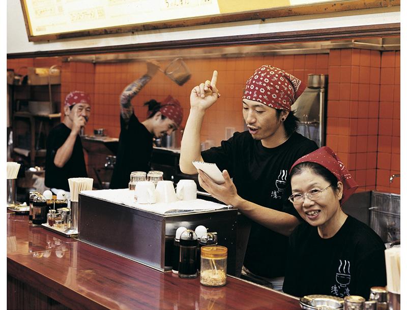 ไอเดียสุดสร้างสรรค์! รูปถ่ายครอบครัวแนวใหม่ โดยช่างภาพชาวญี่ปุ่น (7)