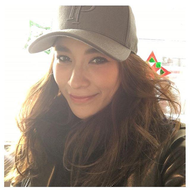 ไอเดียแต่งตัวกับ หมวกแก๊ป ไอเท็มหน้าร้อนที่สาวๆ ควรมีติดตัวไว้ (4)