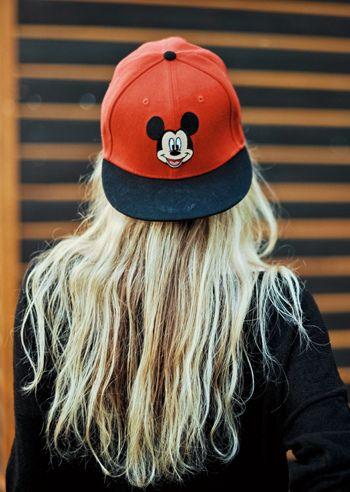 ไอเดียแต่งตัวกับ หมวกแก๊ป ไอเท็มหน้าร้อนที่สาวๆ ควรมีติดตัวไว้ (9)