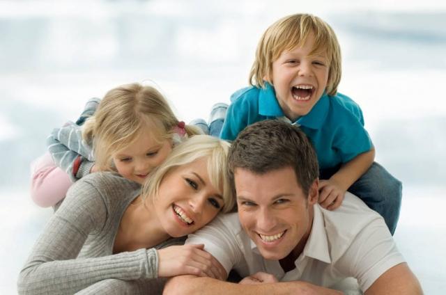 ผลการค้นหารูปภาพสำหรับ ครอบครัว