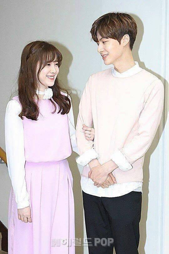 รวมภาพความหวานของ อานแจฮยอน และกูฮเยซอน #คู่รักดาราเกาหลี (11)