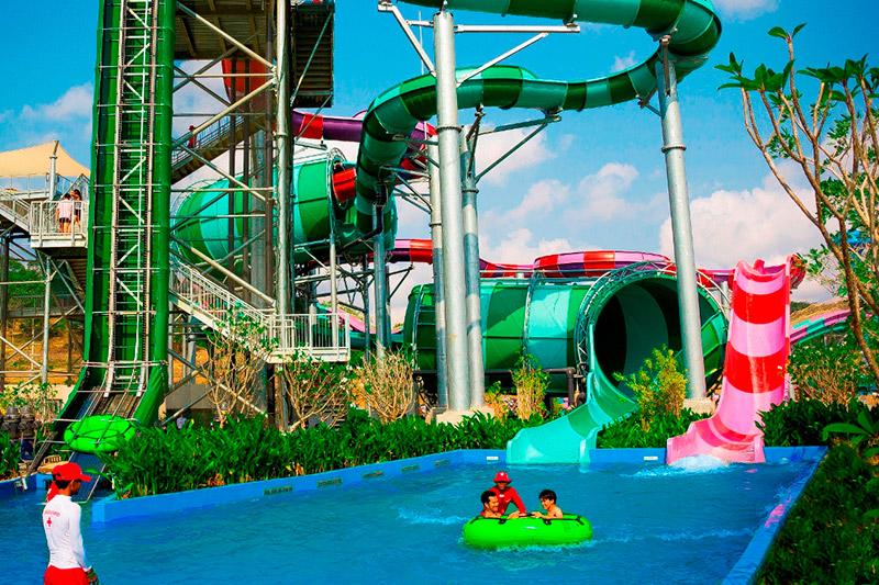 สวนน้ำรามายณะ-Aquaconda-&-Python-Tube-slides