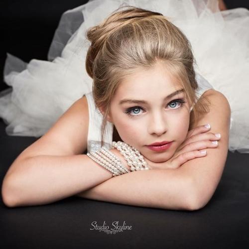หน้าตาสวยมากๆ Jade Weber นางแบบเด็กอายุเพียง 11 ปี แต่ท่าโพสต์มืออาชีพมาก (3)