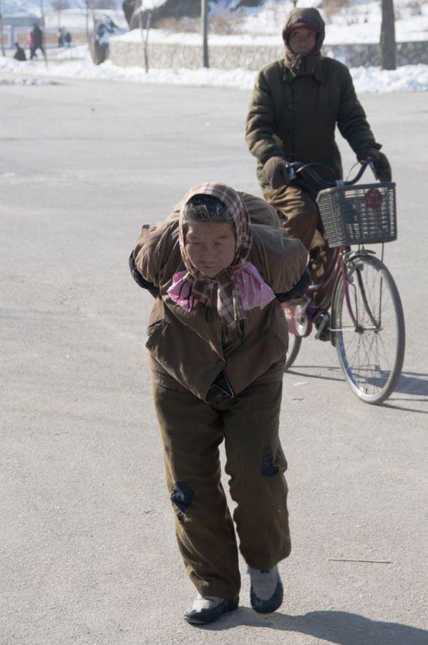 เผยภาพถ่าย! ชีวิตประจำวันของ ชาวเกาหลีเหนือ (3)