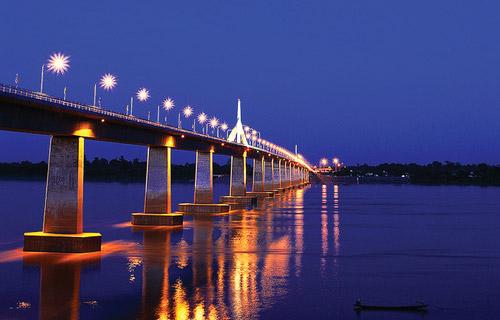 สะพานมิตรภาพไทย-ลาว แห่งที่ 2 มุกดาหารกับแขวงสะหวันนะเขต