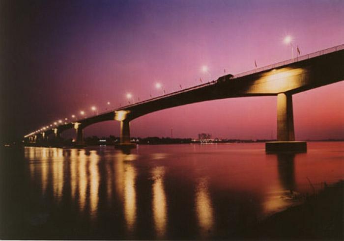สะพานมิตรภาพไทย-ลาว แห่งที่ 5 อุบลราชธานี-เมืองละคอนเพ็ง