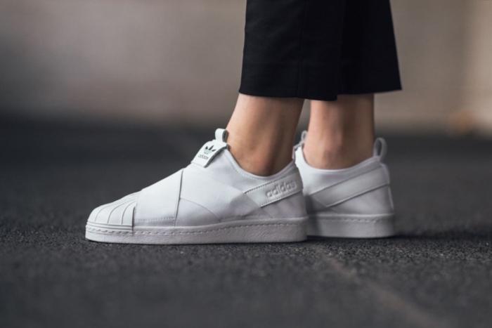 new product 66c0b a878a รองเท้าผ้าใบไม่ต้องผูกเชือก Adidas Superstar Slip On สวมแล้ว ...