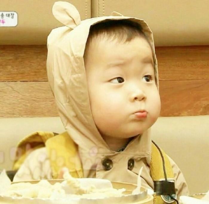 ภาพมินกุก แฝดสาม ลูกชายซง อิลกุก (จูมง) แบบดุ๊กดิ๊กน่ารักใจละลาย