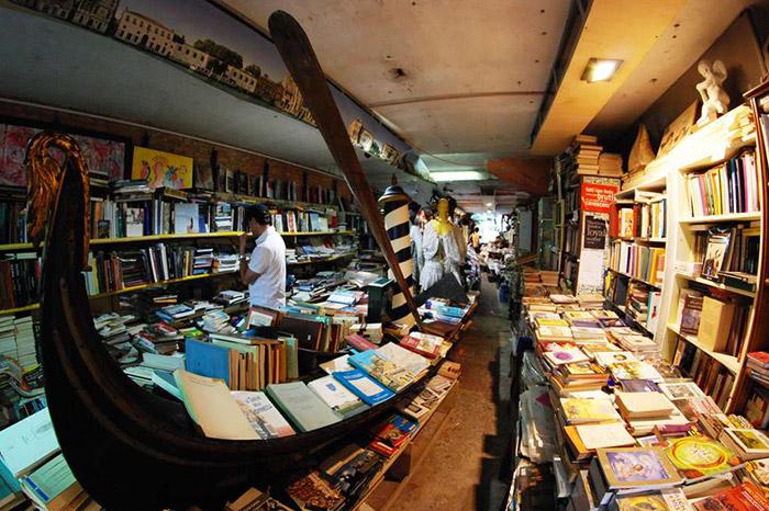 Libreria-Alta-Acqua-1