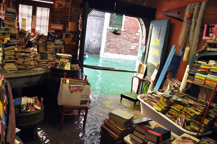 Libreria-Alta-Acqua-2