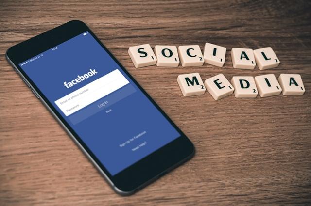 Facebook social media เฟซบุ๊ก โซเชียลมีเดีย