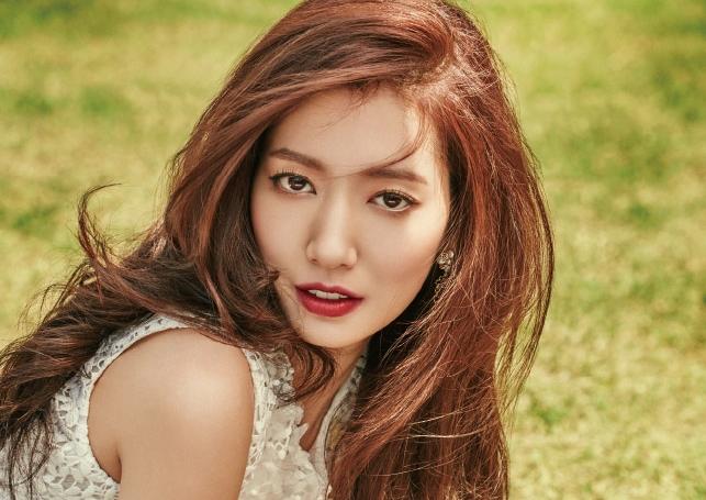 Elle Park Shin Hye นิตยสาร แฟชั่นดารา