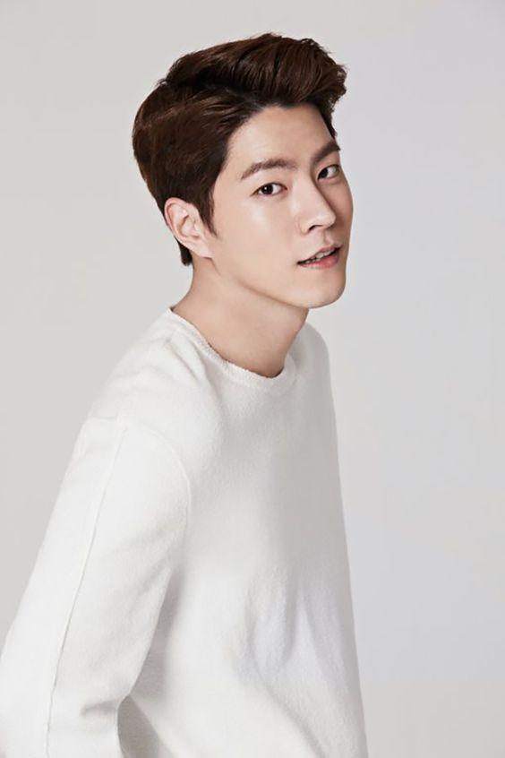 Hong Jong Hyun (2)