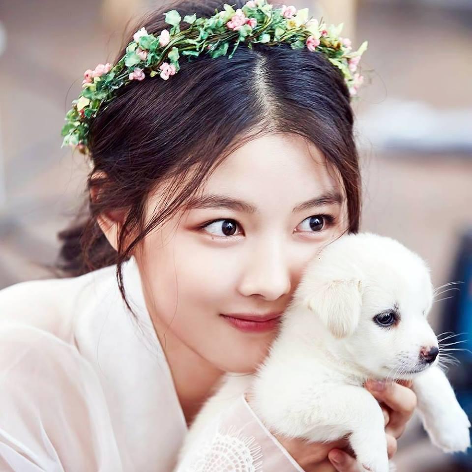 Kim Yoo Jung (27)