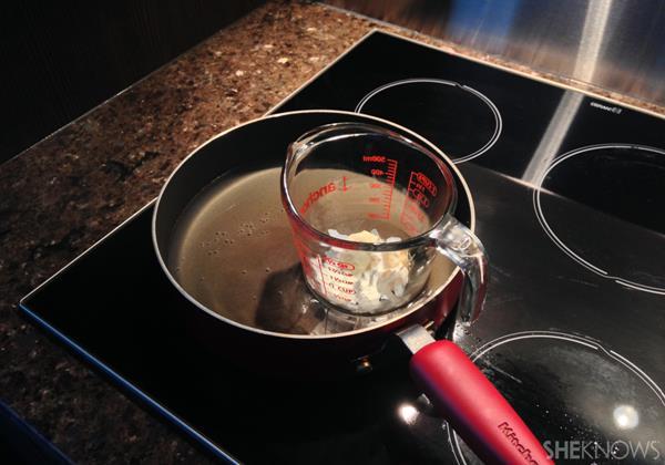 5 ขั้นตอน การทำลิปปาล์มแบบง่ายๆ ที่เราสามารถทำได้เองที่บ้าน