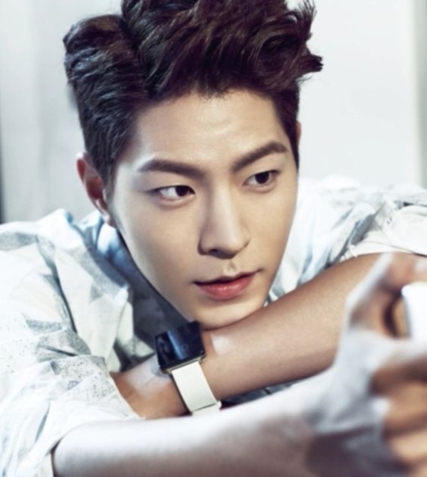 Hong Jong Hyun (20)