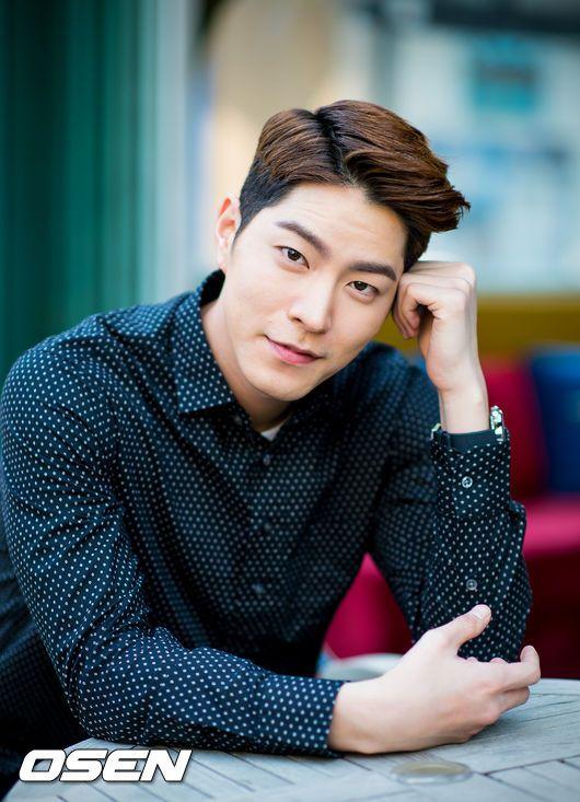 Hong Jong Hyun (36)