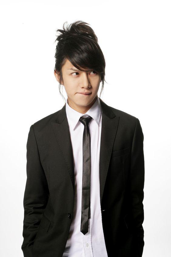 Kim Hee-chul2