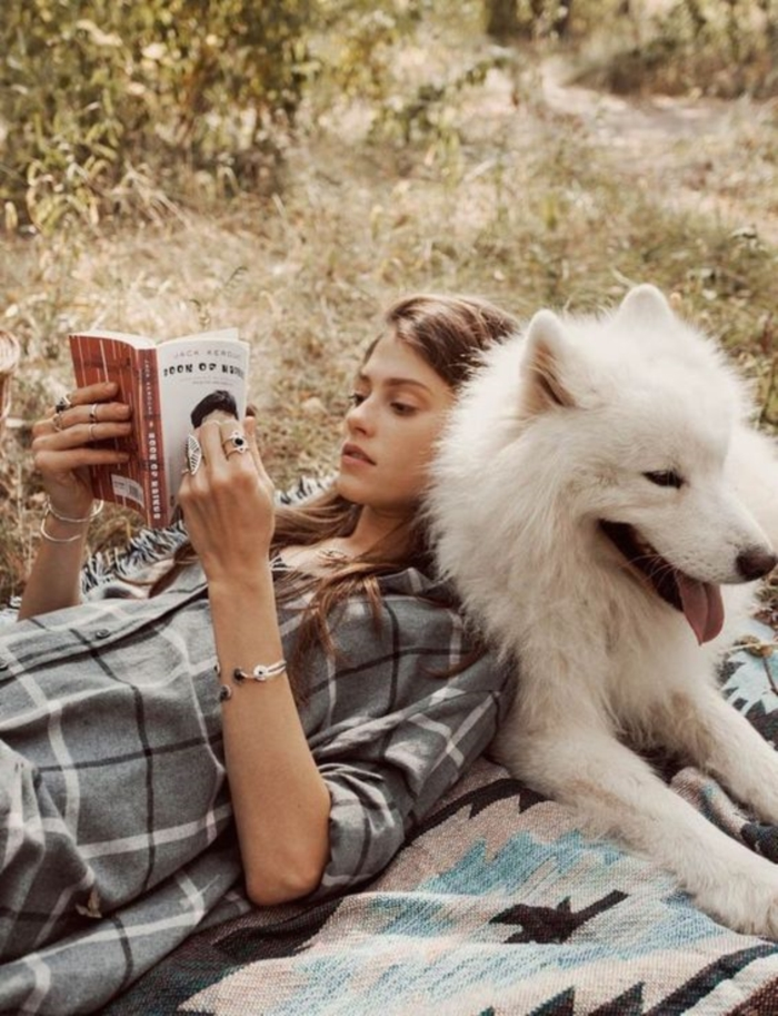 Reading books Perfect For When You Need To Escape This World (35)