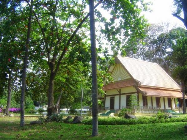 Thaksin-Ratchaniwet-Palace-