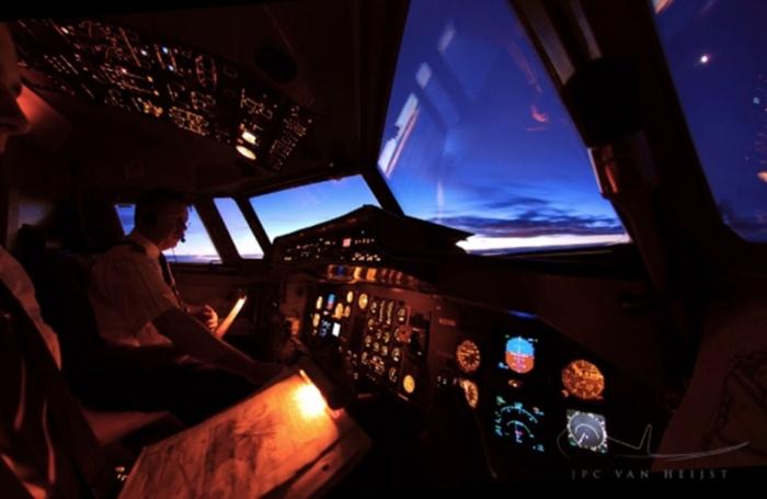 นักบิน ภาพสวย ห้องนักบิน เครื่องบิน เนเธอร์แลนด์