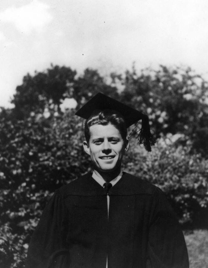 PC 21 20 June 1940 John F. Kennedy graduates from Harvard University. Cambridge, Massachusetts. John F. Kennedy Library