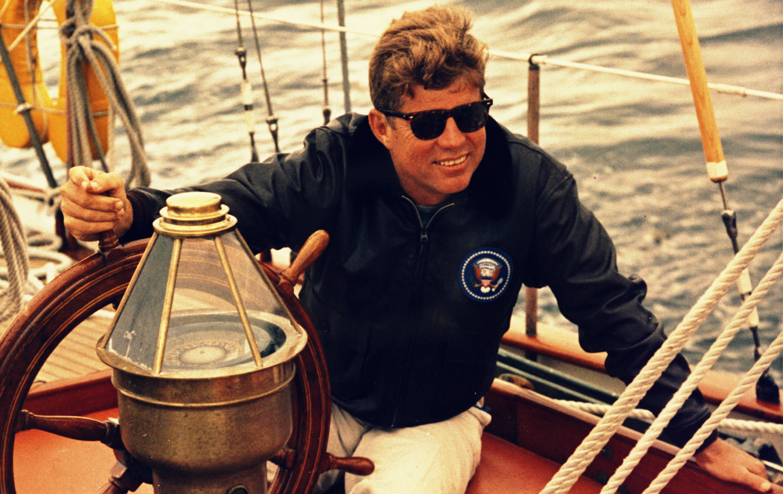 John-F.-Kennedy-sailing