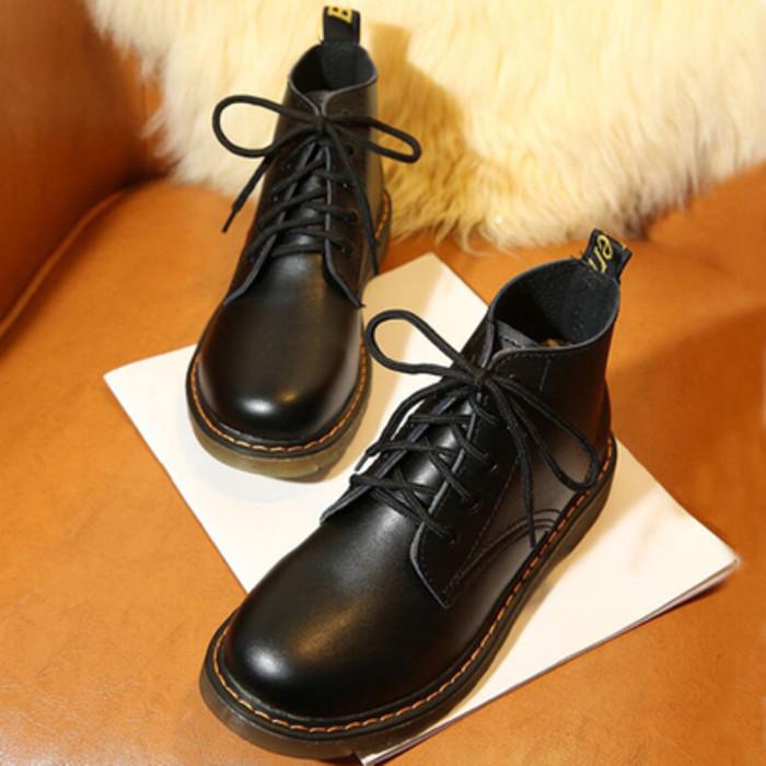 รองเท้าบูทสั้น