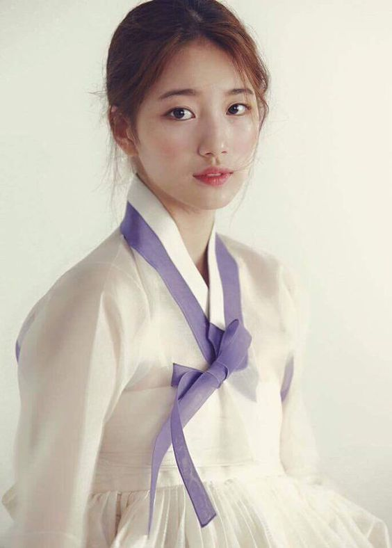 1 Suzy of miss A