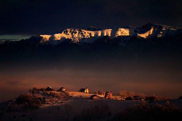 6. หมู่บ้านเล็กๆบนภูเขา Bucegi
